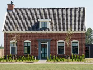Holiday Home 10p. Wellnesswoning, Holiday homes  Colijnsplaat - big - 8