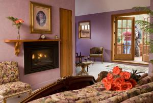 Queen Room with Ocean View - Top Floor - Adults Only