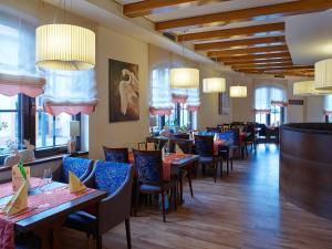 Hotel Restaurant Zum Schwan, Szállodák  Mettlach - big - 43