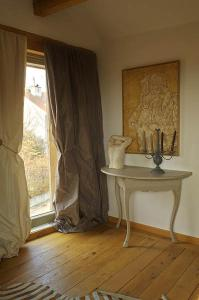 La Cour Pavee, Bed & Breakfast  Genolier - big - 15