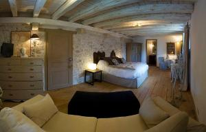 La Cour Pavee, Bed & Breakfast  Genolier - big - 17