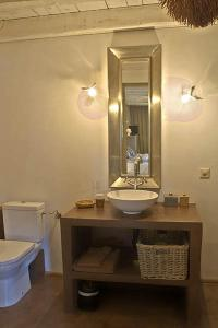 La Cour Pavee, Bed & Breakfast  Genolier - big - 8