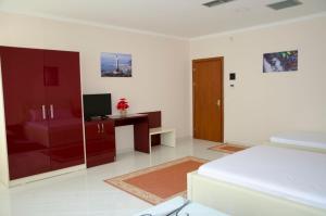 Ikea Hotel, Hotels  Tirana - big - 26