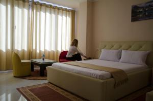 Ikea Hotel, Hotels  Tirana - big - 11