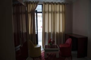 Ikea Hotel, Hotely  Tirana - big - 7