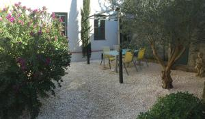 Two-Bedroom Holiday Home (4 People) - 21B