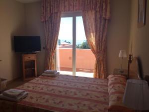 Marbella Beach Resort at Club Playa Real, Apartmanok  Marbella - big - 36