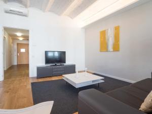 Three-Bedroom Apartment- Rambla Catalunya