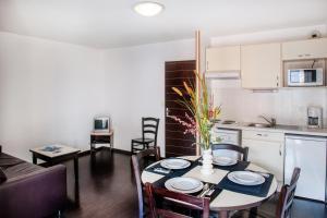 Résidence Foch, Apartmanhotelek  Lourdes - big - 28