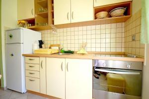 Apartments Tonzi, Ferienwohnungen  Malinska - big - 7