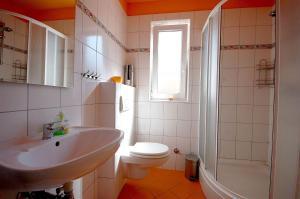Apartments Tonzi, Ferienwohnungen  Malinska - big - 23