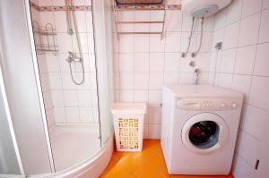 Apartments Tonzi, Ferienwohnungen  Malinska - big - 22