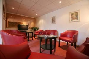 Hotel Le Relais des Champs, Отели  Eugénie-les-Bains - big - 26