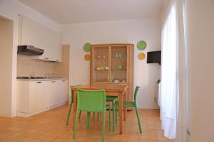 Residence Selenis, Apartments  Caorle - big - 38
