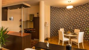 Residence Coressi, Apartmány  Brašov - big - 11