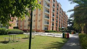 Chateau Elysee Condo Unit - Vendome, Apartmanok  Manila - big - 81