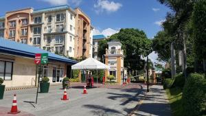 Chateau Elysee Condo Unit - Vendome, Apartmanok  Manila - big - 70