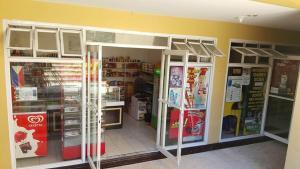 Chateau Elysee Condo Unit - Vendome, Apartmanok  Manila - big - 65