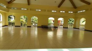 Chateau Elysee Condo Unit - Vendome, Apartmanok  Manila - big - 63