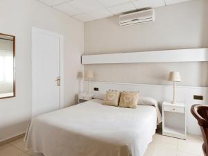 La Goleta, Hotely  Llança - big - 50