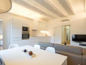 Superior Three-Bedroom Apartment - Rambla Catalunya