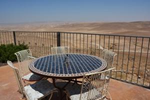 Desert Call, Bed and breakfasts  Arad - big - 43