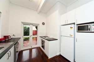Townhouse by UWA 1A, Appartamenti  Perth - big - 6