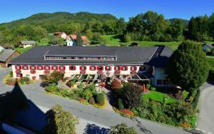 Gasthaus-Gostišce-Trattoria Ogris