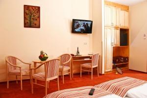 Hotel Manzard Panzio, Bed & Breakfasts  Budapest - big - 67