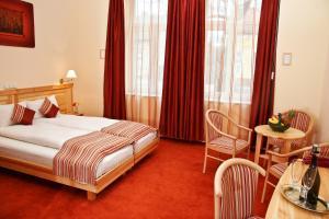 Hotel Manzard Panzio, Bed & Breakfasts  Budapest - big - 66
