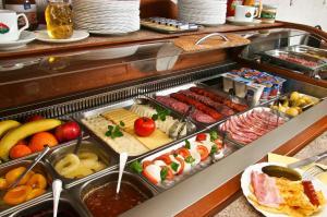Hotel Manzard Panzio, Bed & Breakfasts  Budapest - big - 65