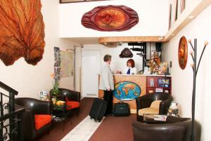 Hotel Manzard Panzio, Bed & Breakfasts  Budapest - big - 64