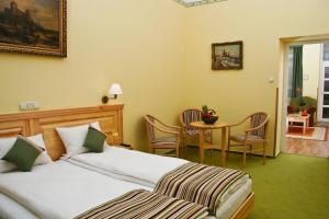 Hotel Manzard Panzio, Bed & Breakfast  Budapest - big - 57