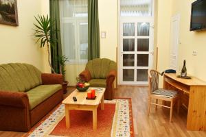 Hotel Manzard Panzio, Bed & Breakfast  Budapest - big - 59