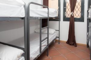 GalaxyStar Hostel Barcelona, Хостелы  Барселона - big - 39