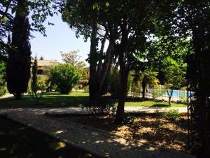 Hostellerie Le Roy Soleil, Szállodák  Ménerbes - big - 16