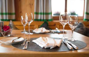 Hotel-Restaurant Vinothek Lamm, Hotel  Bad Herrenalb - big - 32