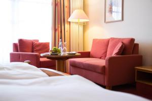 Hotel-Restaurant Vinothek Lamm, Hotel  Bad Herrenalb - big - 16