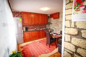 Apartment Red House, Apartments  Visoko - big - 15