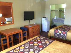 Americas Best Value Inn Pryor, Motel  Pryor - big - 12