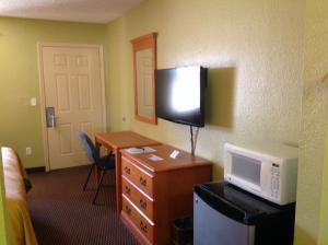 Americas Best Value Inn Pryor, Motel  Pryor - big - 7