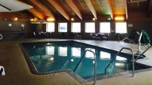 AmericInn Hotel and Suites - I..