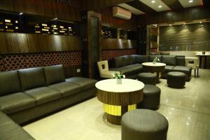 The Majestic Suites, Отели  Калькутта - big - 38
