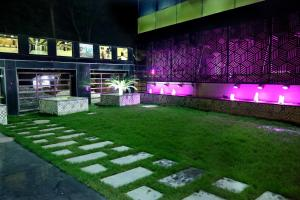 The Majestic Suites, Отели  Калькутта - big - 43