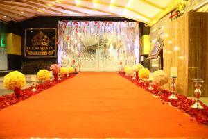 The Majestic Suites, Отели  Калькутта - big - 32
