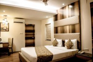 The Majestic Suites, Отели  Калькутта - big - 12