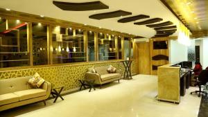 The Majestic Suites, Отели  Калькутта - big - 41