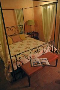 Antico Podere Marciano, Country houses  Barberino di Val d'Elsa - big - 5