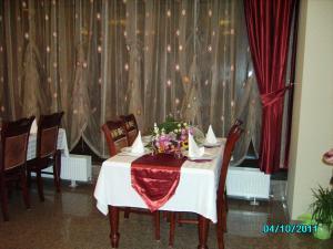 Hotel Golden Rose, Hotel  Constanţa - big - 32