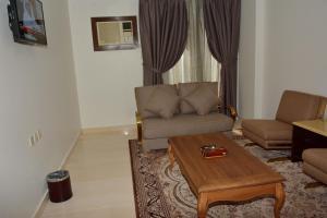 Al Furat Hotel, Отели  Эр-Рияд - big - 16